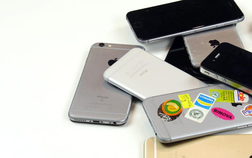 Viele gebrauchte Handys