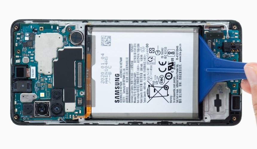 Repair Review Samsung A51: Der Akku ist fest verklebt