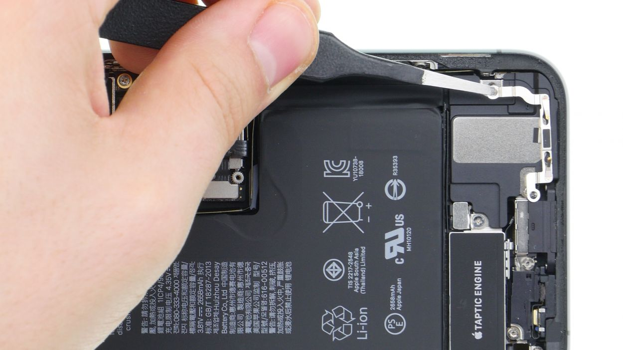 iPhone Xs Lightning connector repair guide   iDoc